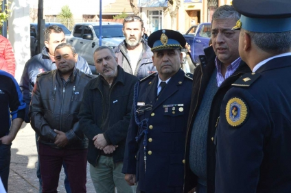 CGT Villa Mercedes entregó Bandera de San Luis a Policía Federal