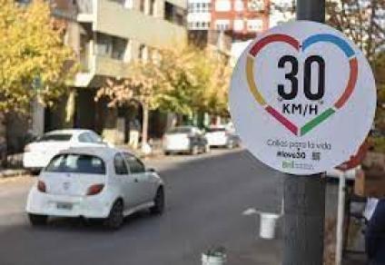 A 30 km/h: Mitos y Realidades - Dos