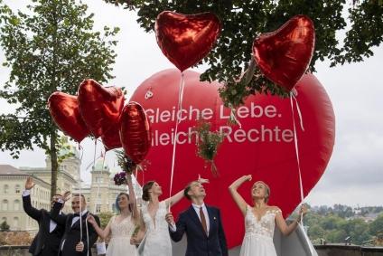 Suiza aprobó el matrimonio igualitario