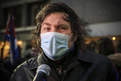 Javier Milei reconoció que trabajó para el genocida Antonio Bussi.