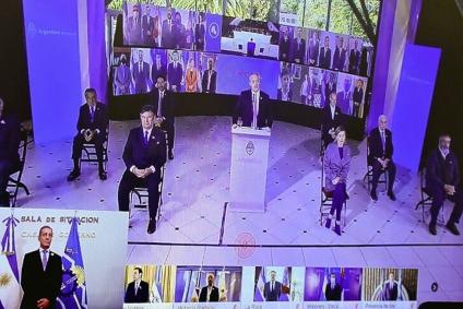 El peronismo se abroquela en defensa de Alberto y la democracia