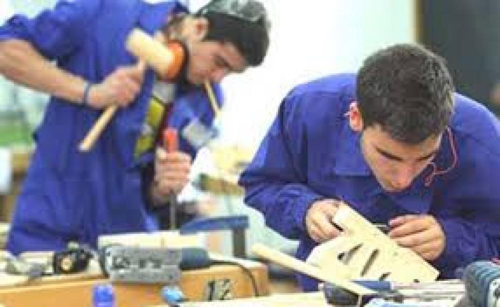 Nuevo programa de inserción laboral beneficiará a 50.000 jóvenes